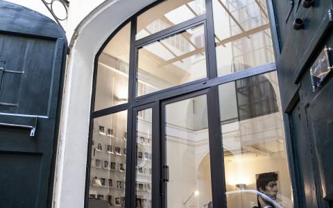 Porta Ingresso Ufficio : Caelius ufficio temporaneo indipendente a roma