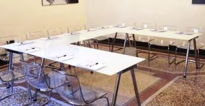 postazione-ufficio-e-sala-riunioni-roma
